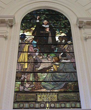 401px-Stained_glass_window_of_the_Center_Church_on_the_Green,_New_Haven,_Connecticut_-_20120429