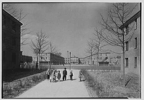 Farnam Courts, 1942 (Library of Congess)