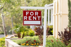 red_for_rent_sign_iStock-960624848